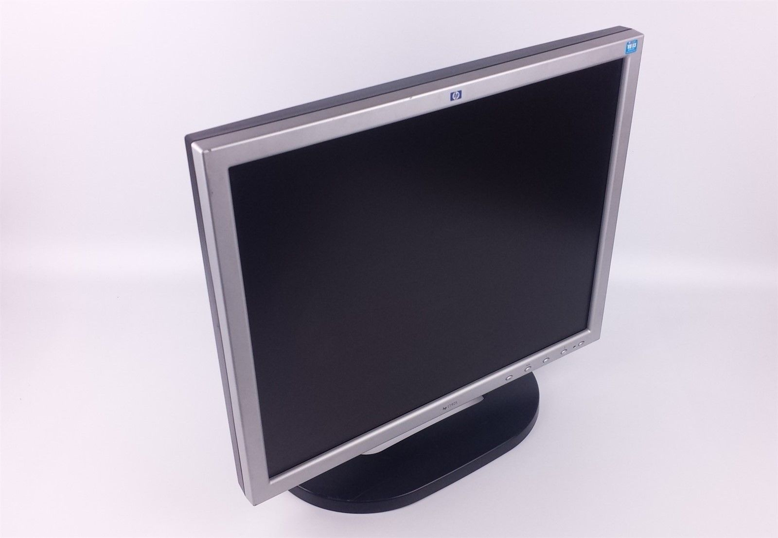 "HP L1955 Flat Screen LCD Computer Monitor 19"" P9626 with Power & VGA Cord"
