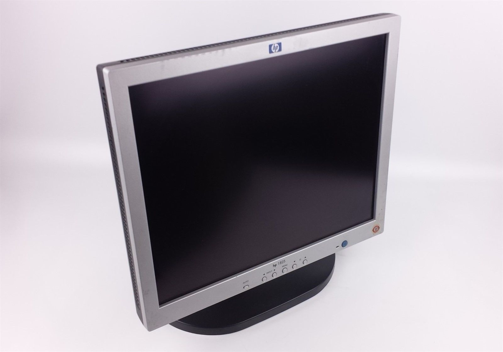 "HP 1825 LCD Flat Panel Display Monitor 18.1"" P9021A with Power and VGA Cord"
