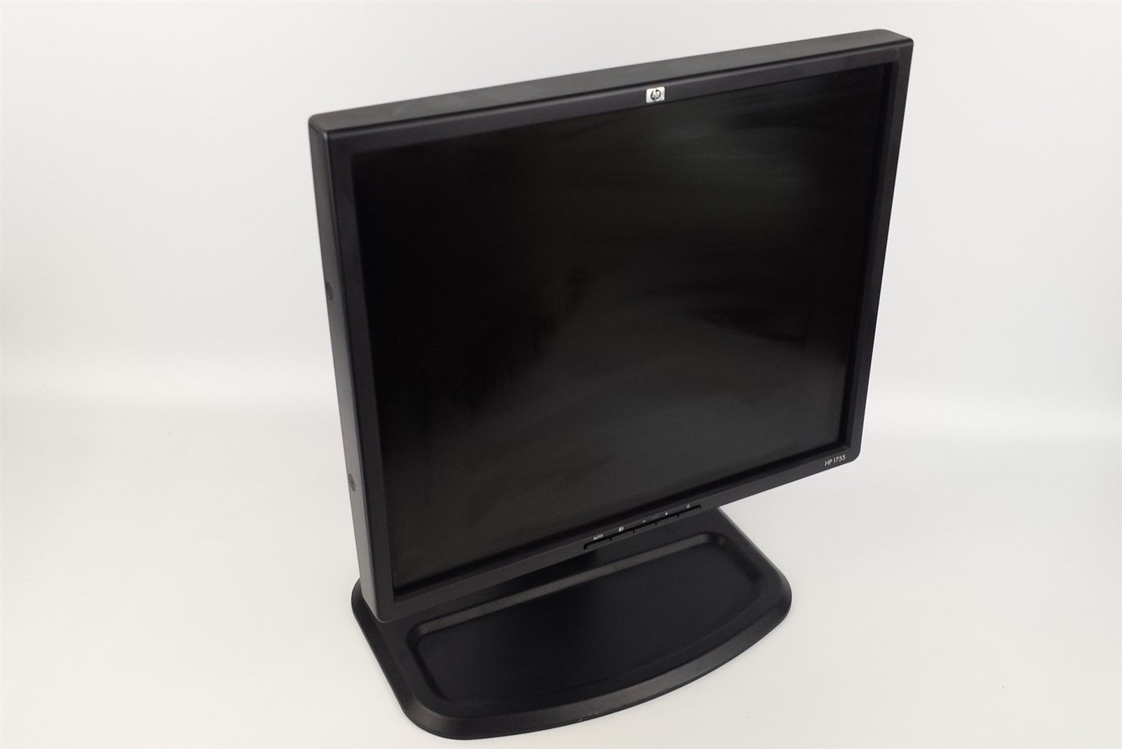 "HP L1755 LCD Flat Panel Display Monitor 17"" with Power Cord VGA Cord"