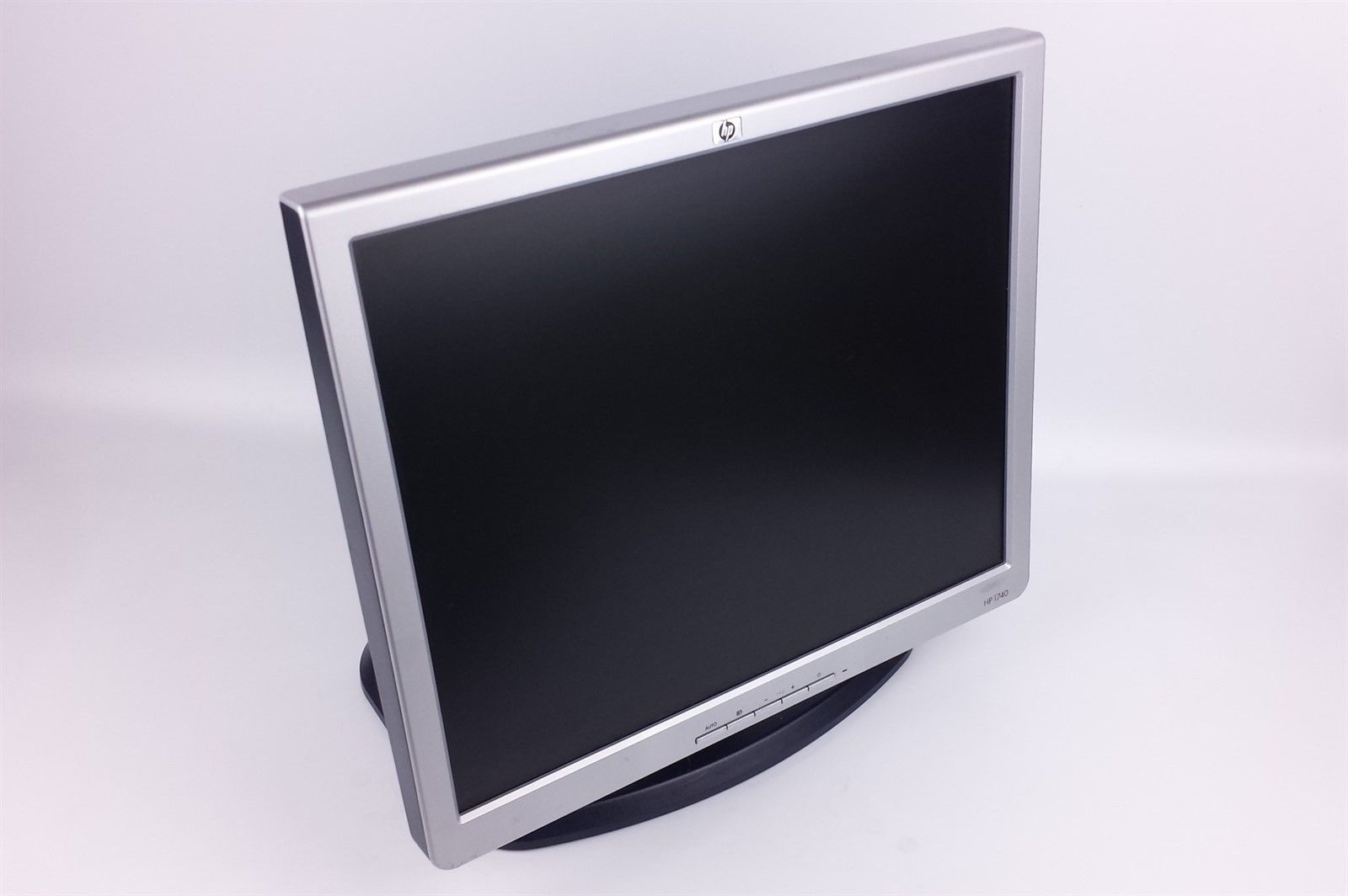 "HP 1740 LCD Flat Panel Display Monitor 17"" with Power Cord VGA Cord Bunny Stand"