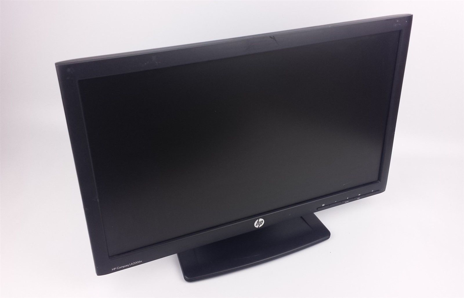 "HP Compaq LA2006x HD LCD Computer Monitor 20"" XN374A w/ Power and VGA Cord"