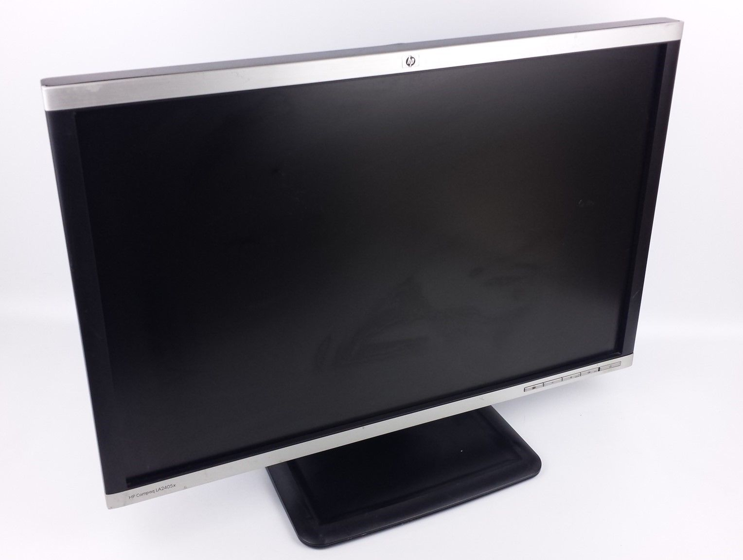 "HP Compaq LA2405x Widescreen LED LCD Computer Monitor 24"" w/ Power & VGA Cord"